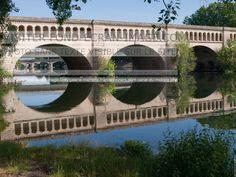 Pont canal du midi Béziers France