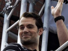 Henry Cavill Serenaded by Outlander Bagpipers