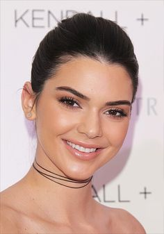 Kendall Jenner Photos - Kendall and Kylie Jenner Celebrate Kendall + Kylie Collection at Nordstrom Private Luncheon - Zimbio Kendall E Kylie, Kendall Jenner Outfits, Makeup Tips, Beauty Makeup, Natural Prom Makeup, Neutral Eyeshadow, Kardashian Jenner, Kylie Jenner, Beauty Quotes