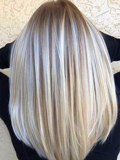 Layered Haircuts Grey Highk In 2020 Results Of the Picture for Grey Hair that Freezes with Grey Hair Colour Chart, Silver Hair Men, Silver Hair Highlights, Silver Blonde Hair, Perfect Hair Color, Low Lights Hair, Colored Hair Tips, Long Layered Hair, Long Hair Styles