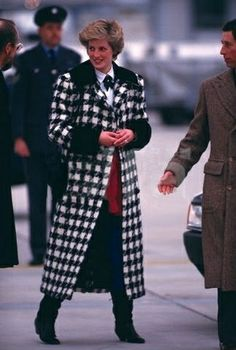 1987-02-16 Diana and Charles land at Zurich Airport en route to Klosters