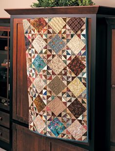 Martingale - Scrappy Fat Quarter Quilts - Brown with Aqua keeps catching my eye Lap Quilts, Scrappy Quilts, Small Quilts, Mini Quilts, Quilt Blocks, Sampler Quilts, Primitive Quilts, Laundry Basket Quilts, Miniature Quilts