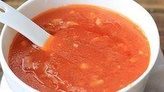 Zoetzure saus is een van de standaard woksauzen uit de Chinese keuken. De woksaus is erg eenvoudig zelf te maken met eigen ingrediënten. De basis van de roerbaksaus wordt gevormd door ketchup of tomatenpuree, azijn en suiker. Voor de smaak worden vaak knoflook, gember, sojasaus of ketjap toegevoegd. Een eventuele toevoeging van ananas geeft de saus een frisse zoetzure smaak. Met deze verrukkelijke homemade saus geef je zowel vlees- als vegetarische gerechten een heerlijke smaak. De saus…