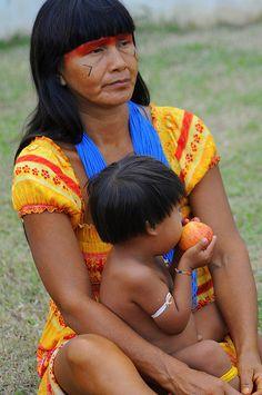 Mãe e filho - Índio brasileiro
