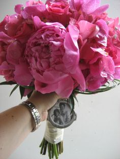 If you are seeking a bashful bloom that showcases nothing but abundant elegance, peonies are certainly an ideal choice.   #bouquet #bridalbouquet #palominofloraldesigns #wedding #weddingbouquet #chicagowedding #chicagoflorist #flowers #weddingflowers