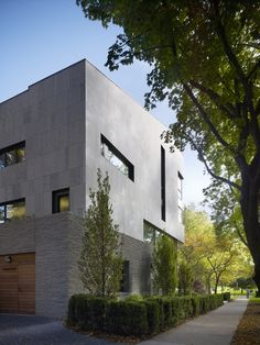 Exterior Architecture - Lakeshore Drive Residence - Chicago - Wheeler Kearns Architects