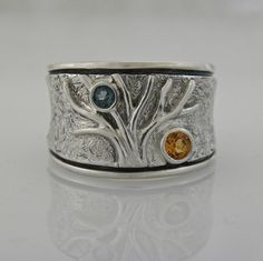 """Tree"" ring set with"