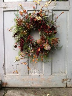 From-the-Garden Wreaths for Holiday Decorating: Slideshow Garden Design Calimesa, CA Wreaths And Garlands, Autumn Wreaths, Holiday Wreaths, Door Wreaths, Ribbon Wreaths, Floral Wreaths, Burlap Wreaths, Wreath Fall, Spring Wreaths
