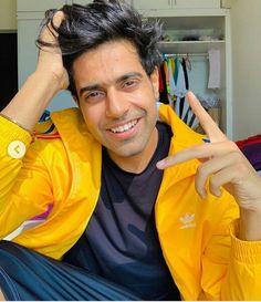 Rain Jacket, Windbreaker, Jackets, Fashion, Down Jackets, Moda, Fashion Styles, Fashion Illustrations, Anorak Jacket