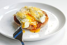 Simple poached eggs with gouda on a toasted english muffin is the perfect start to the day. Included are some tips on how to poach eggs.