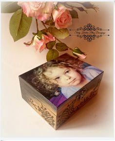 Stary Kredens - Blog - Decoupage: Urodzinowa szkatułka prosto z serca ;) Decoupage.
