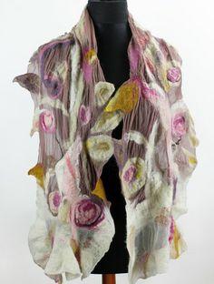 piękny filcowany pastelowy szal