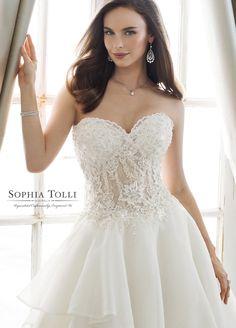 Sophia Tolli Wedding Dresses 2019 for Mon Cheri - Bridal Gowns Princess Wedding Dresses, Designer Wedding Dresses, Bridal Dresses, Mon Cheri Bridal, Timeless Elegance, Beaded Lace, Dream Dress, Dress Collection, Ball Gowns
