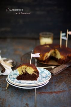 Marble Cake with Dark Chocolate and Lemon Curd