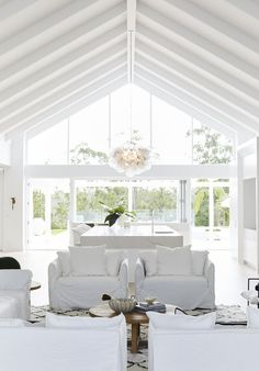 Next on Bonnie's dream home reveals is her stunning entry, football field sized kitchen & perfectly styled living area of course! Now, get yourself over to our site to see it in all it's white on white glory (which of course is framed by Intrim's SK58 skirting & architraves)! #bonniesdreamhome #moderncoastalbarn