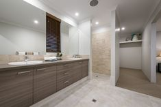 #ensuite #bathroom #doublevanity #walkinrobe