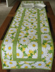 Daisy Table Runner made with Timeless Treasures Fabric. $29.95, via Etsy.