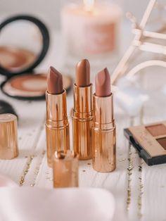 Favourite Everyday Lipsticks for Pale Skin - PaleGirlRambling - Favourite Everyday Lipsticks for Fair Skin – PaleGirlRambling Effektive Bilder, die wir über lip - Makeup Organizing Hacks, Organisation Hacks, Makeup Organization, Lipstick For Pale Skin, Lipstick Shades, Diy Makeup Vanity, Eye Makeup, Dupes, Pillow Talk Lipstick