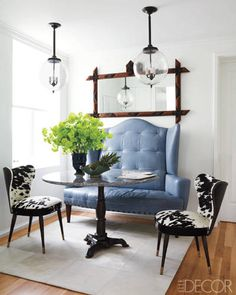 Now that's a big chair! Cool ♥♥