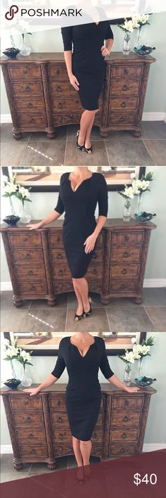 Adrianna Papell Elegant Dress Size 6 Zips in back. In perfect condition. This is such a great essential dress for any occasion. Adrianna Papell Dresses Midi