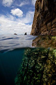 (take a photo like this) Split View, Galápagos Islands photo via 3light