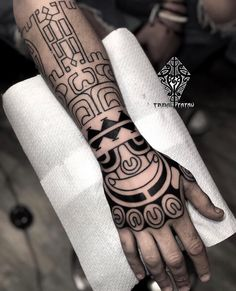 Cool Tribal Tattoos, Tribal Tattoo Designs, Life Tattoos, Tattoos For Guys, Samoan Tattoo, Maori Tattoos, Circus Tattoo, Free Hand Tattoo, Maori Designs