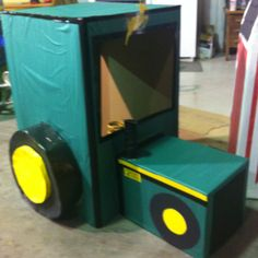Box Tractor made for a first birthday