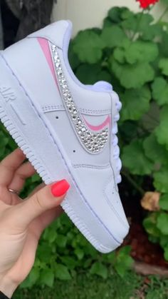 Cute Nike Shoes, Cute Nikes, Cute Sneakers, Nike Custom Shoes, Running Shoes Nike, Sneakers Nike, Jordan Shoes Girls, Girls Shoes, Pink Shoes