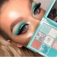 Mint Eyeshadow, Pigment Eyeshadow, Eyeshadow Makeup, Makeup Cosmetics, Makeup Inspo, Makeup Art, Makeup Inspiration, Huda Beauty Makeup, Makeup Eye Looks