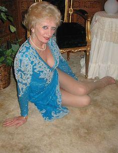 Blonde gilf leg worship