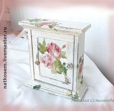 """Ключница """"Розы"""" - ключница,украшение интерьера,подарок женщине,дерево"""