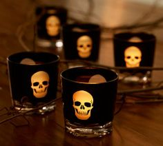 Create a ghoulish ambience with these Halloween lights, candles and luminaries. Transform your home into a haunted house with Spooky Halloween Lighting & Candles Decoration Ideas. Halloween Candles, Holidays Halloween, Halloween Decorations, Halloween Stuff, Halloween Party, Halloween Lighting, Halloween Dishes, Halloween Kitchen, Halloween Pictures