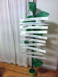 Beanstalk with velcro sentence strips for children to sequence the events of Jack and the Beanstalk. Great idea for our Fairy tale unit Traditional Tales, Traditional Stories, Class Displays, Classroom Displays, Fairy Tale Activities, Book Activities, Talk 4 Writing, Writing Ideas, Fairy Tale Crafts