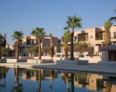 Four Seasons Hotel Marrakech, Marrocos: uma série de bangalôs perto dos jardins de Menara e seus roseais recebem com conforto e excelente serviço os hóspedes do Four Seasons de Marrakech. O hotel, de 141 quartos, conta com uma piscina para famílias e uma outra exclusiva para adultos Foto: Divulgação
