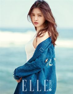 Son Na-eun(born February a South Korean singer and actress. She is best known as a member of the South Korean girl group Apink .