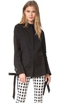 ¡Consigue este tipo de camisa larga de C/meo Collective ahora! Haz clic para ver los detalles. Envíos gratis a toda España. C/Meo Collective Objection Long Sleeve Shirt: A cotton C/Meo Collective blouse with a fold-over collar and hidden-button placket. Long sleeves and lace-up cuffs. Curved hem. Fabric: Cotton shirting. 100% cotton. Wash cold. Imported, China. Measurements Length: 27.5in / 70cm, from shoulder Measurements from size S (camisa larga, largas, túnica, camisa túnica, long, t...