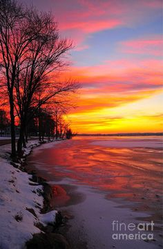 ✯ Beautiful Winter Sunrise on Lake Cadillac - Michigan