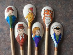 The tiger who came to tea story spoon Wooden Spoon Crafts, Wooden Spoons, Wooden Toys, Early Education, Early Childhood Education, Marker, School Rhymes, Painted Spoons, Story Sack