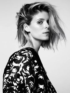 Beauty actress Kate Mara photographed by Alisha Goldstein and styled by Sophie Cooper for the Glamour UK's May issue. Kate Mara, My Hairstyle, Messy Hairstyles, Wedding Hairstyles, Short Hair Cuts, Short Hair Styles, Glamour Uk, Glamour Magazine, Long Bob Haircuts