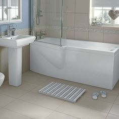 Shown here is our Olney shower bath. Looking similar to our Emberton shower…