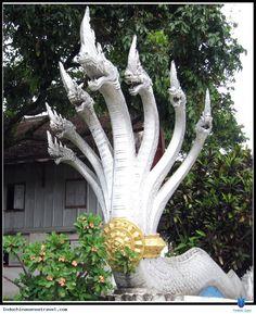 Luông Pha-băng là Thủ đô của Vương triều Lan Xang thế kỷ 14, thời kỳ hưng thịnh của Lào dưới triều Vua Xê-tha-thi-lát, nhưng năm 1545 chiến tranh xảy ra liên miên, Vua Xê-tha-thi-lát quyết định dời kinh đô đến Viêng Chăn. Xem thêm: http://indochinasensetravel.com/cac-diem-du-lich-lao_1434597406-n.html