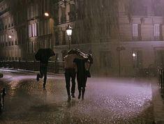 Night Aesthetic, Couple Aesthetic, Aesthetic Pictures, Girl In Rain, Night Rain, Running In The Rain, Paris At Night, Dark Paradise, Photocollage