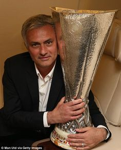 Manager Jose Mourinho of Manchester United celebrates with the Europa League trophy on the plane home after the UEFA Europa League Final match between Manchester United and Ajax at Friends Arena on May 2017 in Stockholm, Sweden. Manchester United Champions, Manchester United Players, Man Utd Crest, Official Manchester United Website, Man Utd News, Europa League, Man United, Best Player, Finals