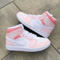 Dr Shoes, Cute Nike Shoes, Swag Shoes, Cute Nikes, Cute Sneakers, Nike Air Shoes, Hype Shoes, Shoes Sneakers, Nike Shoes For Kids