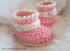 Free pattern  Ravelry: Cute Baby Boots Crochet Pattern pattern by Teri Crews