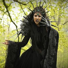 Model: Jolien Rosanne Costume & Acessories: Fairytas Photo by Miriam van Essen Welcome to Gothic and Amazing |www.gothicandamazing.com