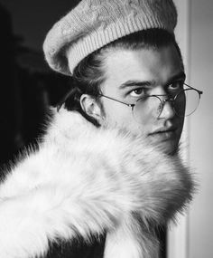 joe keery has been in the beeeessstttt photoshoots lately he just. looks so damn beautiful. how is he wearing that beret? what the fuck it's gorgeous, what is that fur ??!!! it's a yes from me