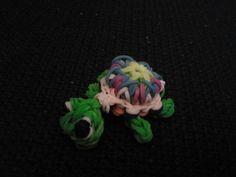 Leuke schildpad van looms elastiekjes.