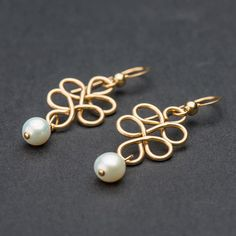 Bride earrings, Pearl gold earrings, Gold dangle earrings for brides and bridesmaids, bridal jewelry collection