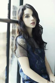 Juliet aka Picture of Adelaide Kane. Adelaide Kane, Reign, Pretty People, Beautiful People, Female Character Inspiration, Girls Characters, Celebs, Celebrities, Girl Crushes